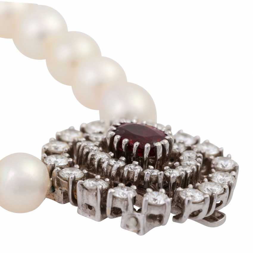 Pearl necklace with jewels-jewelry clasp, - photo 5