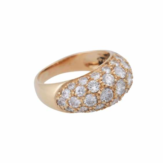 Ring set with numerous brilliant-cut diamonds, together approx. of 1.4 ct, - photo 2