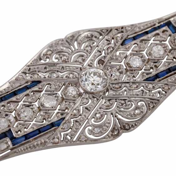 Art Deco brooch with a Central old European cut diamond of approx 0.4 ct, - photo 5