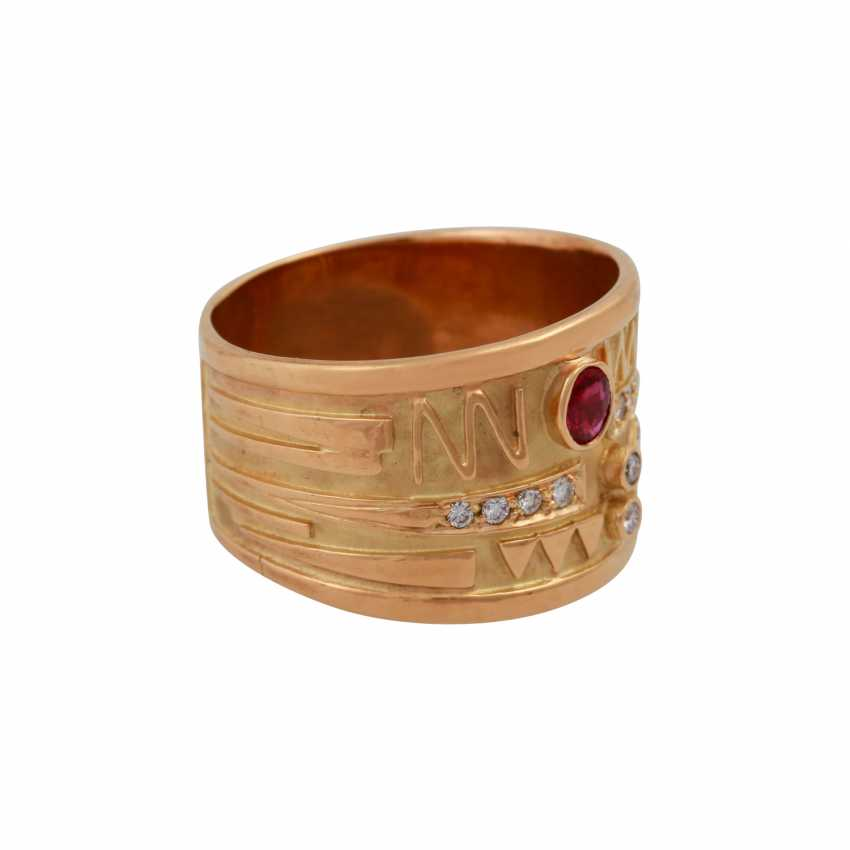 Ring with oval ruby and small diamonds, - photo 2