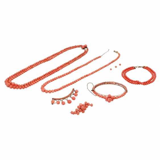 Group Of Coral Jewelry - photo 1