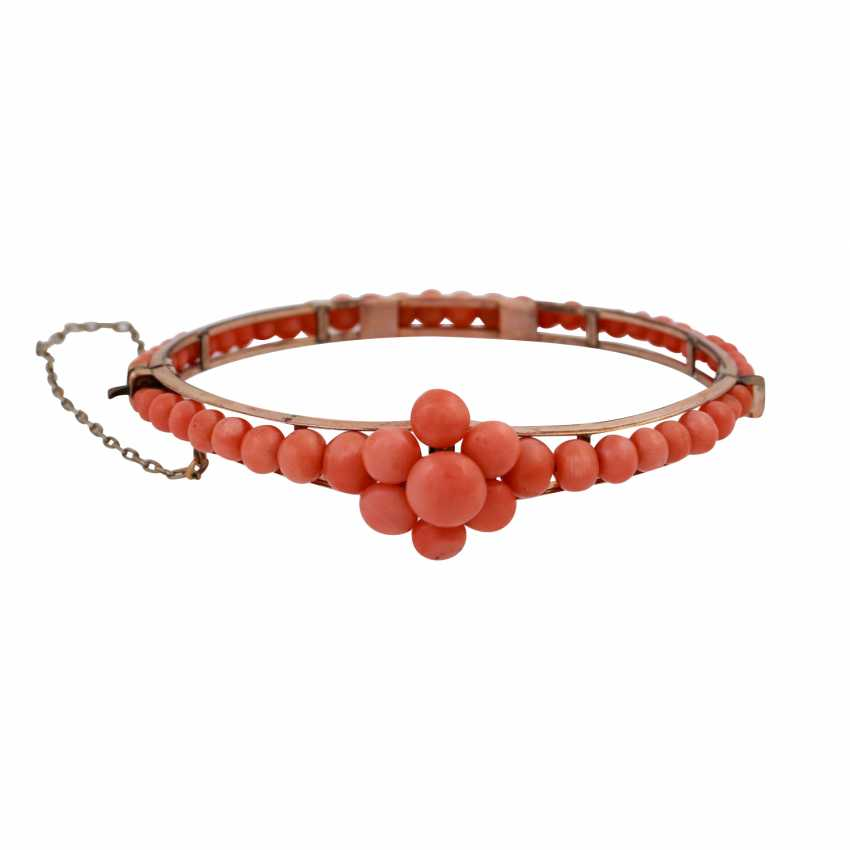 Group Of Coral Jewelry - photo 5