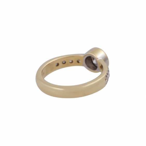 Ring with a Central brilliant of CA. 1 ct, - photo 3