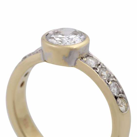 Ring with a Central brilliant of CA. 1 ct, - photo 5