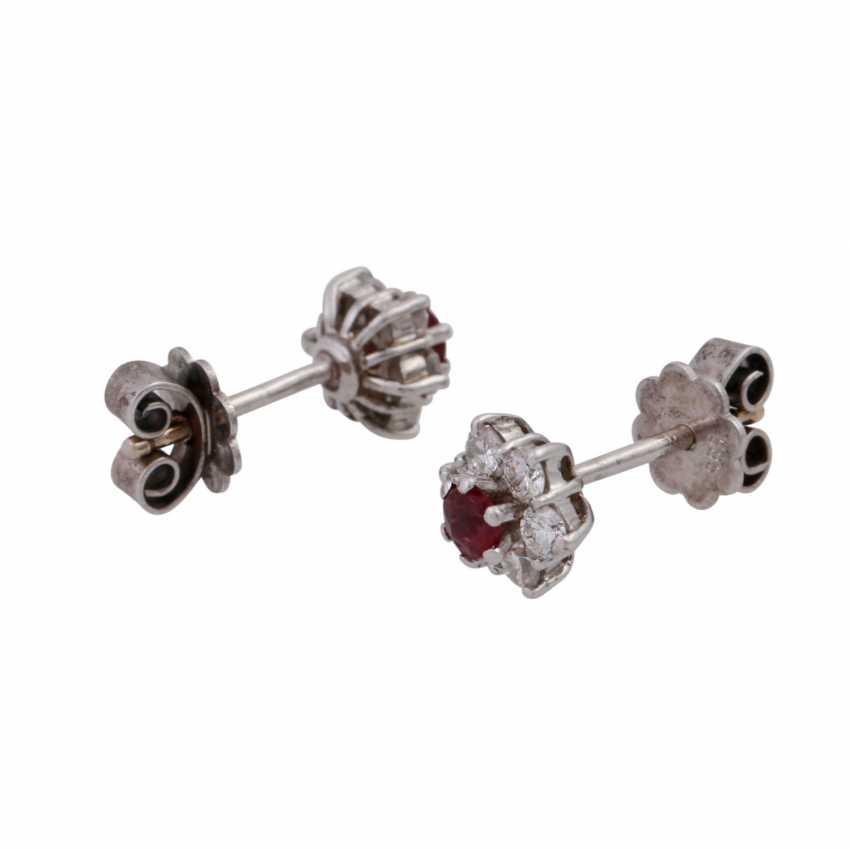 Пара серьги с рубинами и бриллиантами вместе около 0,24 ct, - фото 2