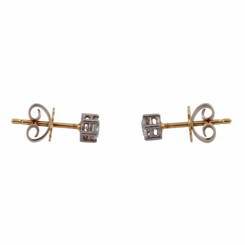Pair of brilliant ear studs, approx 0.50 ct, - photo 2