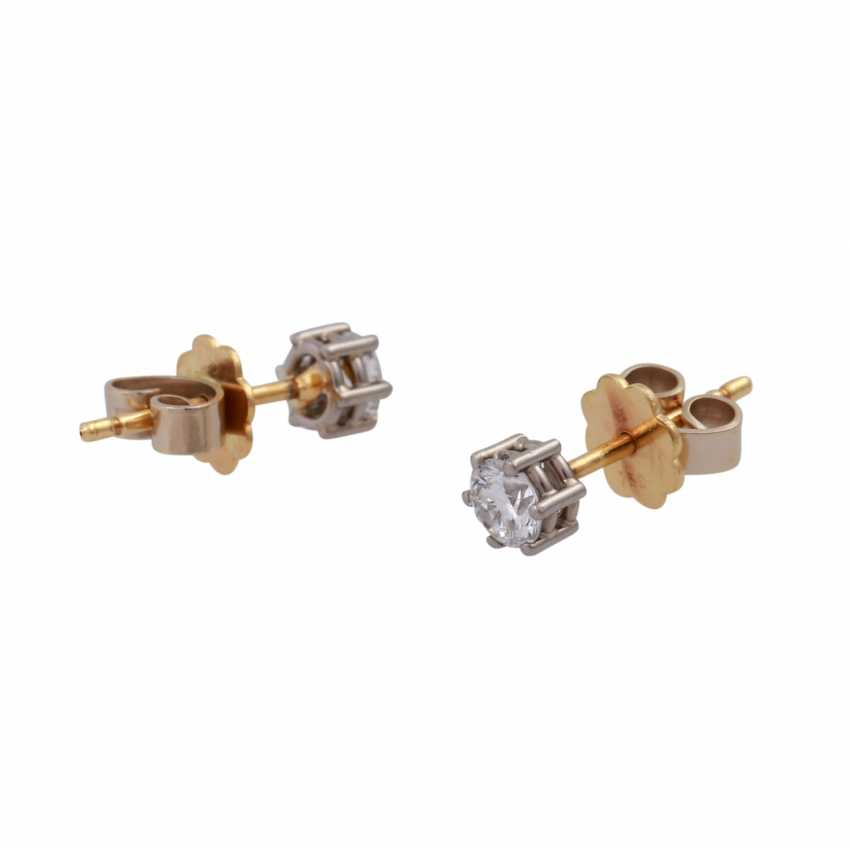 Pair of brilliant ear studs, approx 0.50 ct, - photo 3