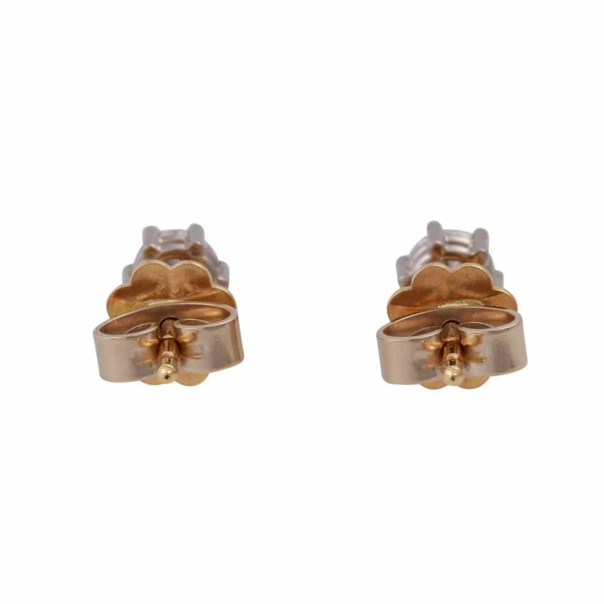 Pair of brilliant ear studs, approx 0.50 ct, - photo 4