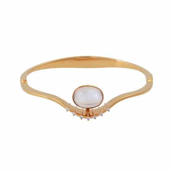 Bangle bracelet with oval moonstone - photo 1