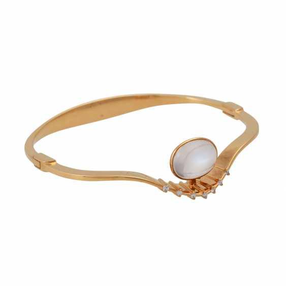 Bangle bracelet with oval moonstone - photo 2