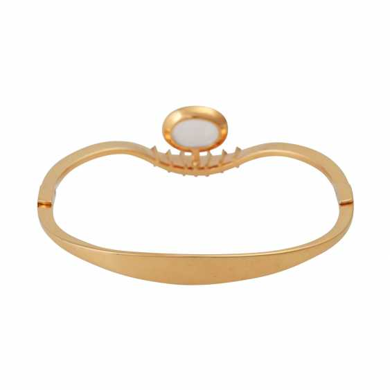 Bangle bracelet with oval moonstone - photo 3