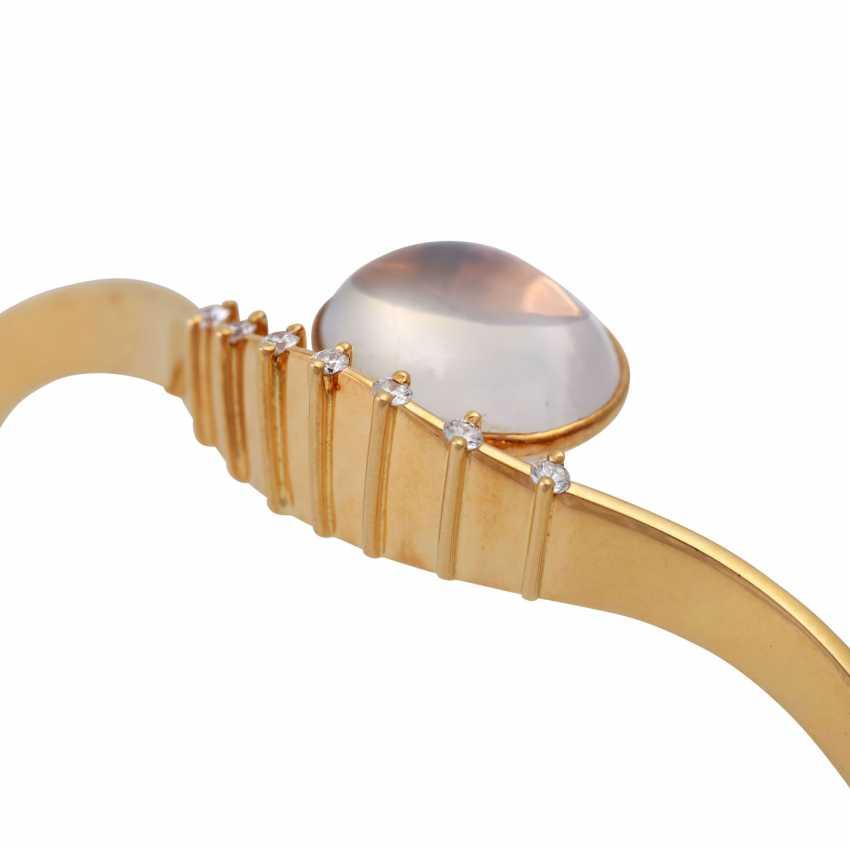 Bangle bracelet with oval moonstone - photo 5