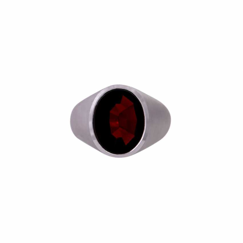 Ring with oval garnet in the panel cut, - photo 1