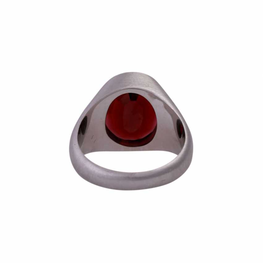 Ring with oval garnet in the panel cut, - photo 4