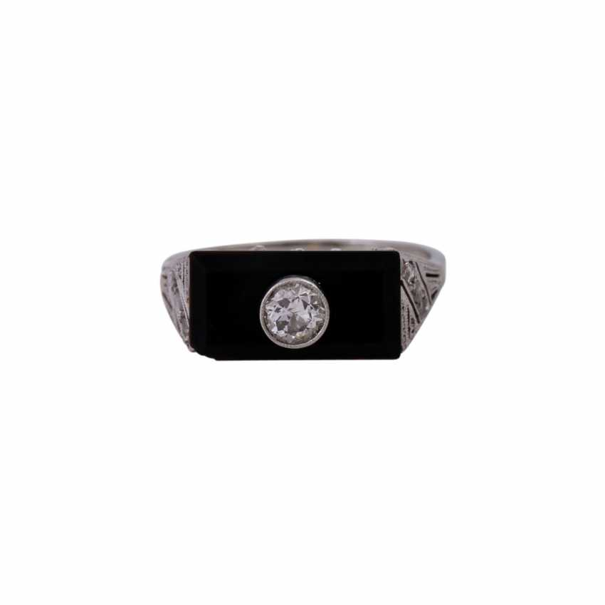 Ring with a rectangular onyx panel, and diamonds, - photo 1