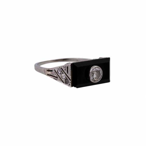 Ring with a rectangular onyx panel, and diamonds, - photo 2