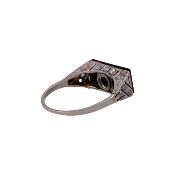Ring with a rectangular onyx panel, and diamonds, - photo 3