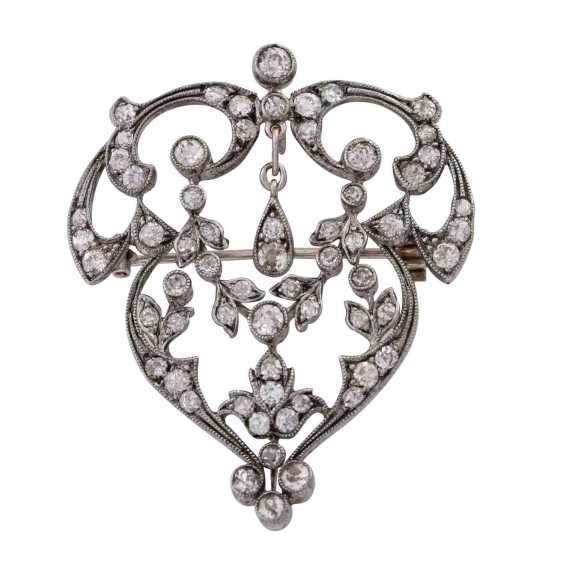 Art Nouveau pendant/brooch set with old European cut diamonds, together approx. 4,5 ct., - photo 1