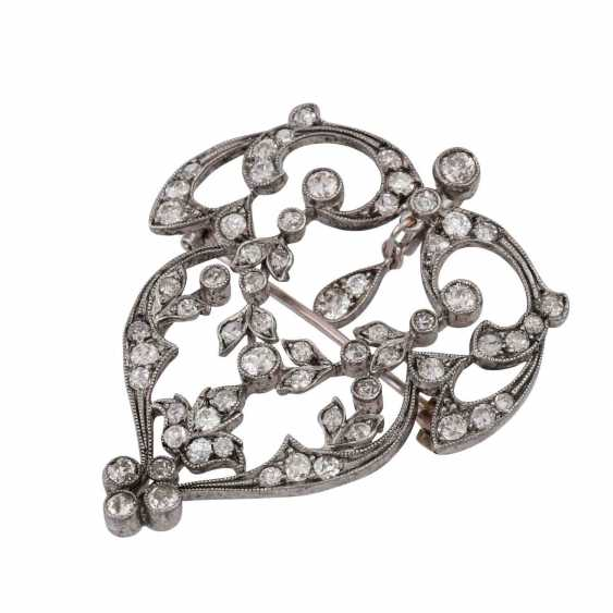Art Nouveau pendant/brooch set with old European cut diamonds, together approx. 4,5 ct., - photo 4