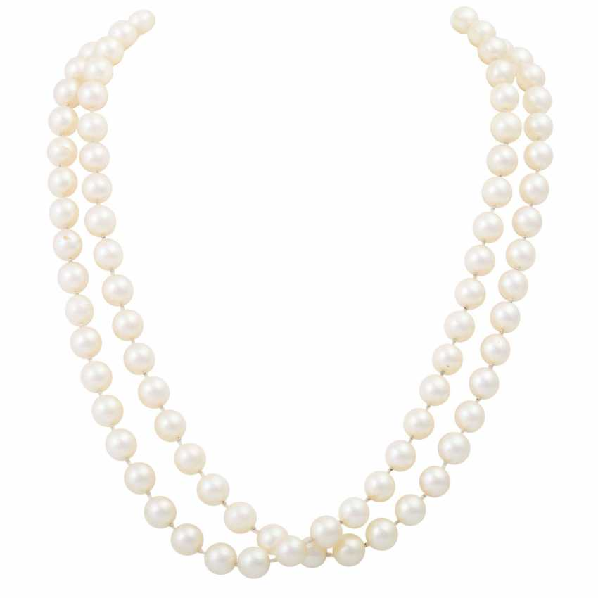 Long necklace of Akoya cultured pearls - photo 1