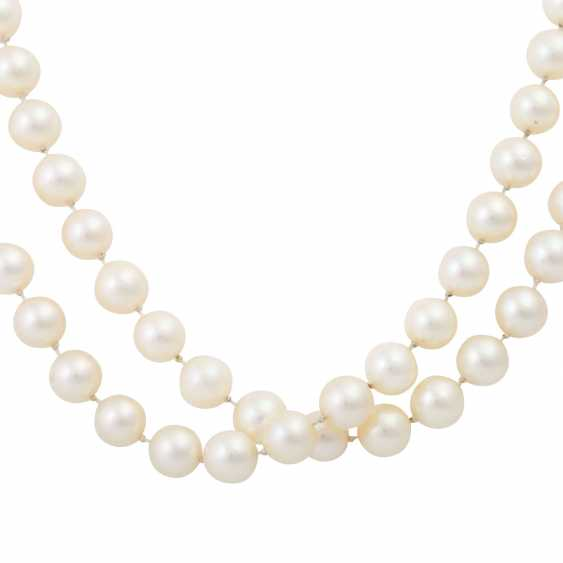 Long necklace of Akoya cultured pearls - photo 2