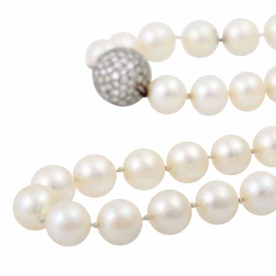 Long necklace of Akoya cultured pearls - photo 5