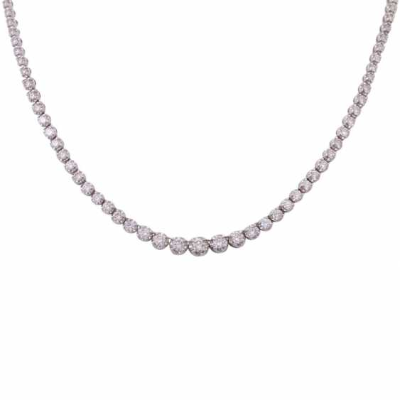 Rivière necklace set with 110 brilliant-cut diamonds, together approx. 7 ct - photo 2