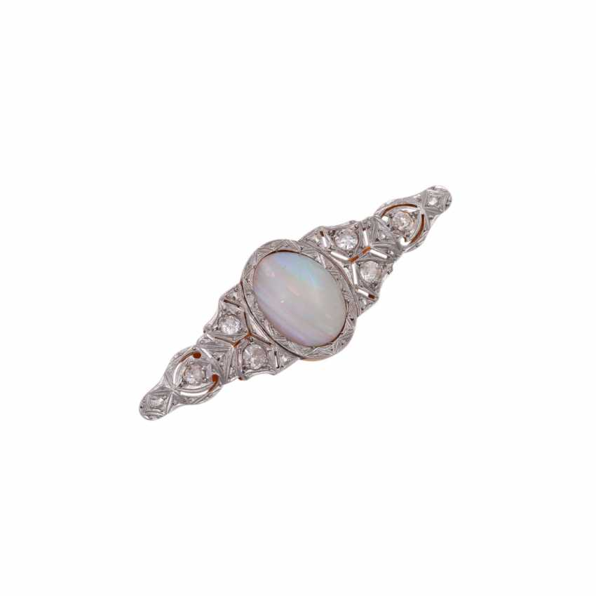Brooch with oval Opal and diamonds together approximately 0.8 ct, - photo 4