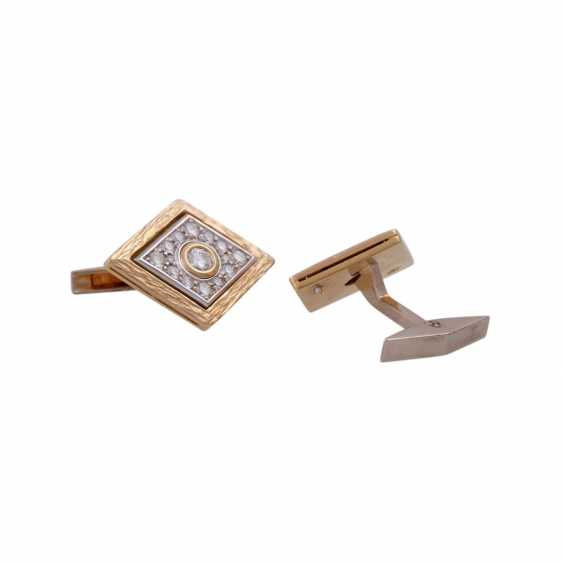Pair of cufflinks with brilliant-cut diamonds, together CA. 1 ct, - photo 3