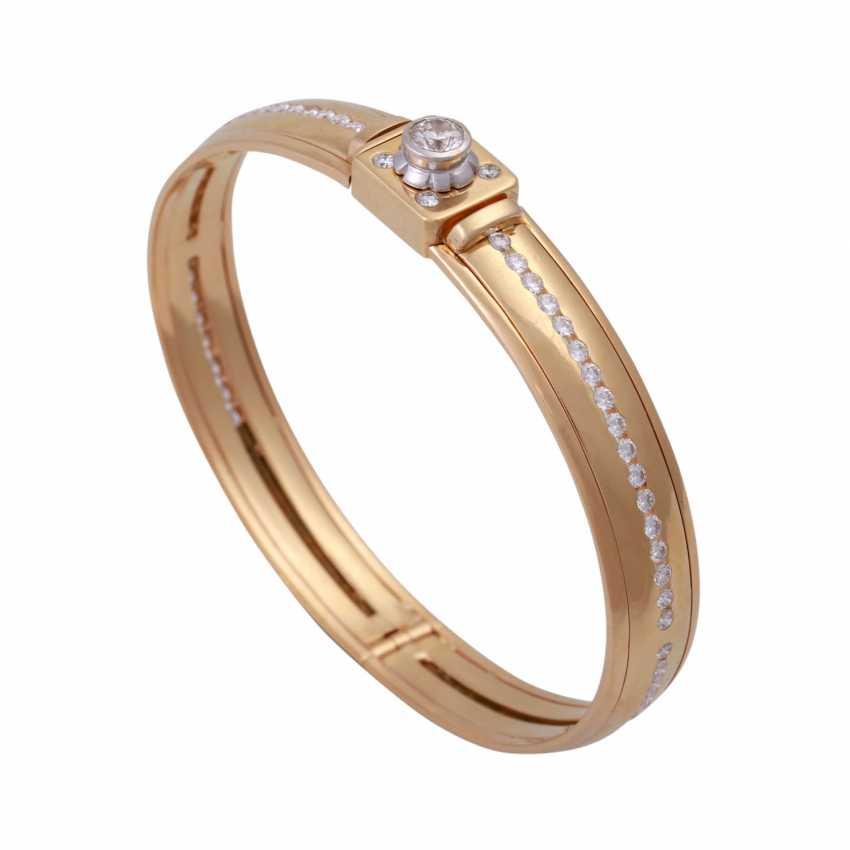 Bangle bracelet, set with diamonds, approx 0.5 ct - photo 4