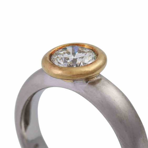 Solitaire ring with brilliant 1,008 ct, - photo 5