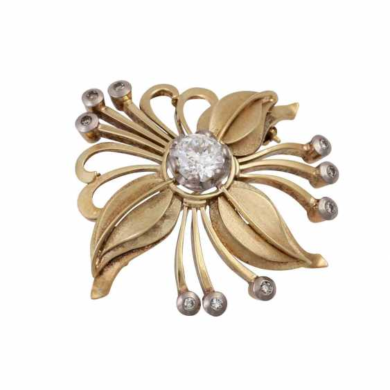Floral brooch with diamonds, - photo 4