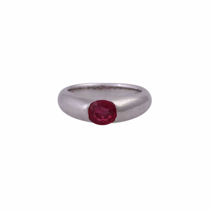 Ring with ruby - photo 1