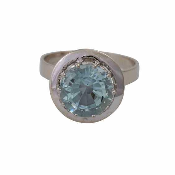 Ring with light blue aquamarine, approximately 2.9 ct, - photo 1