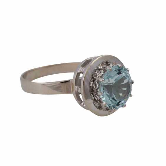 Ring with light blue aquamarine, approximately 2.9 ct, - photo 2
