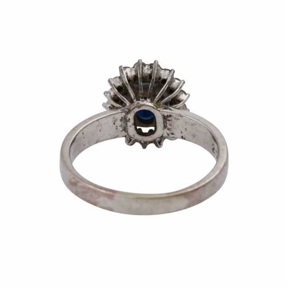 Ring with sapphire approx 2 ct and diamonds - photo 4