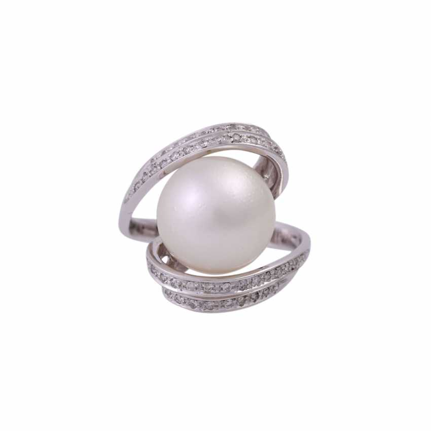 Ring with South sea pearl and diamonds - photo 1
