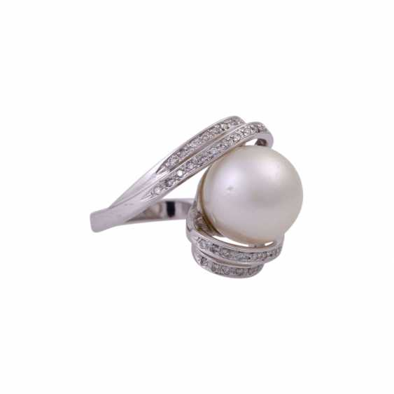 Ring with South sea pearl and diamonds - photo 2