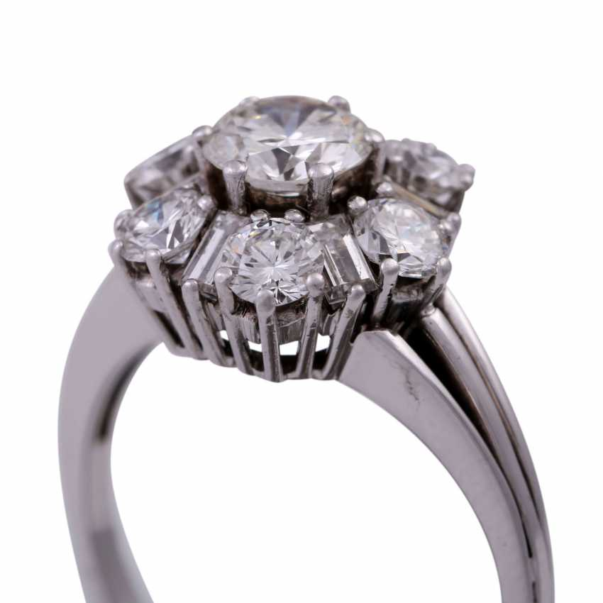 Ring with diamonds, together CA. 2 ct - photo 5