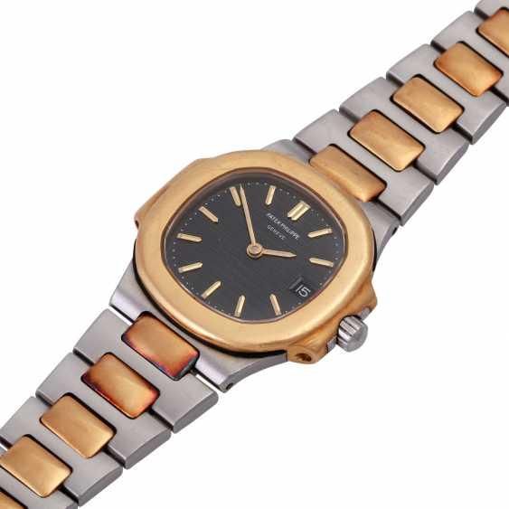 PATEK PHILIPPE Nautilus women's watch, Ref. 4700/1. - photo 3