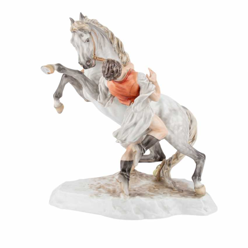 HEREND figure group, 'a Hungarian horse', 20. Century. - photo 1