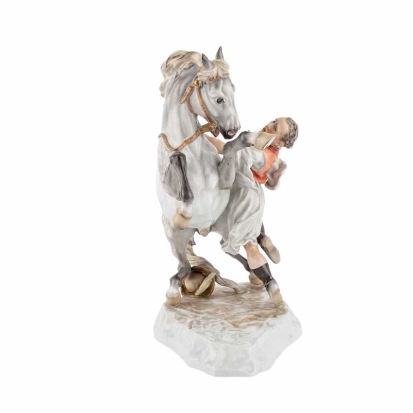 HEREND figure group, 'a Hungarian horse', 20. Century. - photo 4