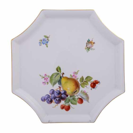 MEISSEN porcelain Sake Service f. 6 persons 'fruit painting', 20. Century. - photo 5