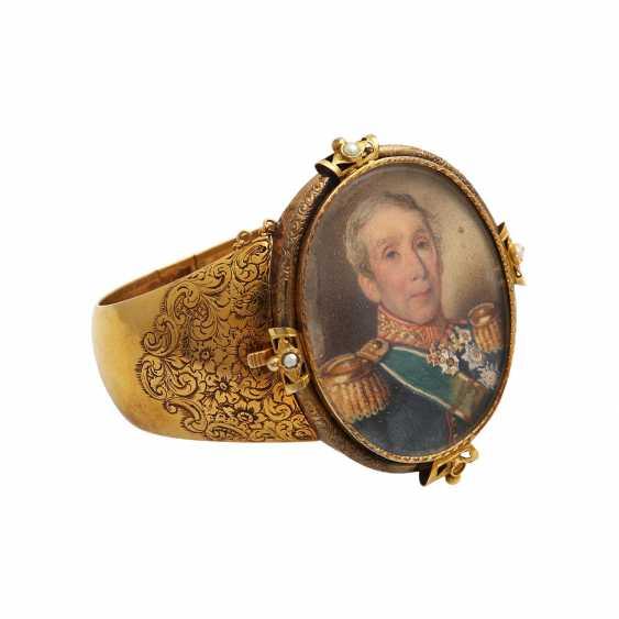 Antique bangle with Portrait v. Franz Corneli, - photo 2