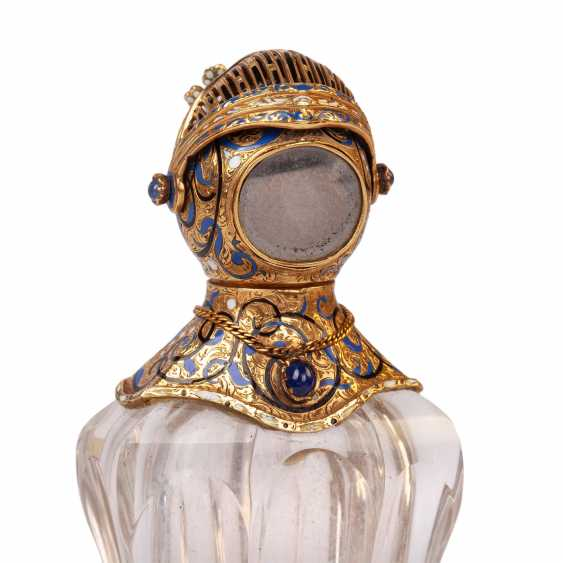 Unusual bottle in the form of a knight's helmet - photo 2