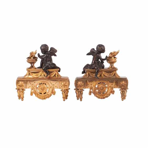 Pair of French sculpture with putti to the fireplace clock - photo 1