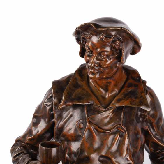 """A rare bronze figure of """"the Sommelier"""" - photo 2"""