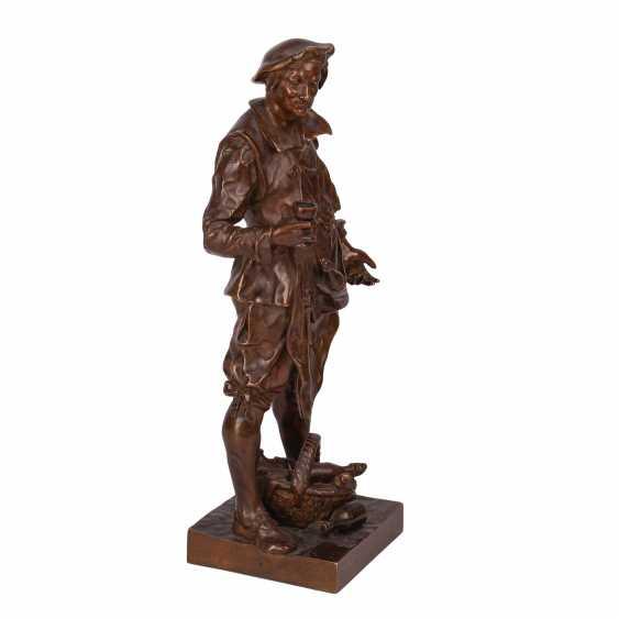 "Miniature bronze sculpture of ""Sommelier"" - photo 2"