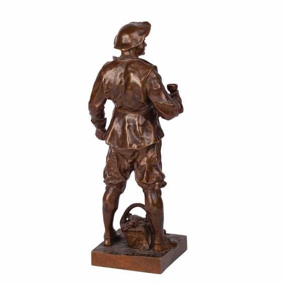 "Miniature bronze sculpture of ""Sommelier"" - photo 3"