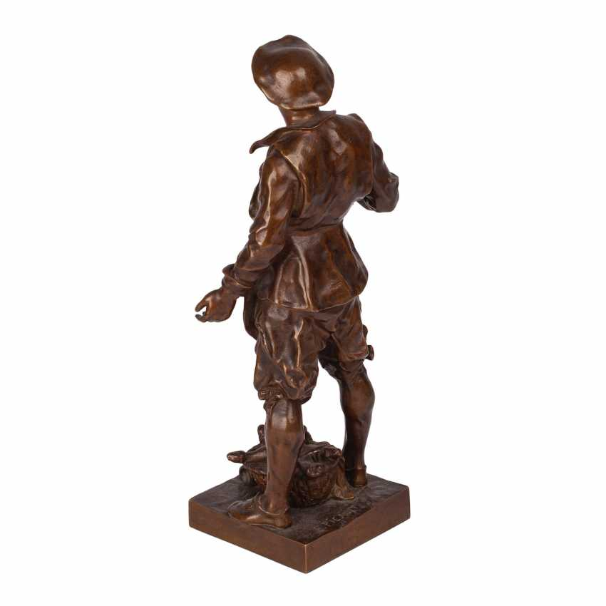"Miniature bronze sculpture of ""Sommelier"" - photo 4"